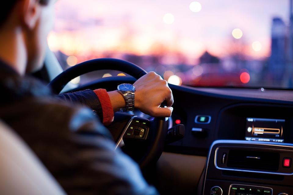 أفضل تطبيق لبيع وشراء السيارات في أوروبا